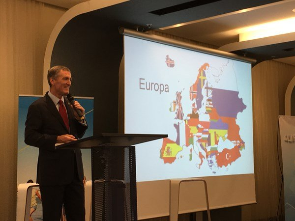 4Life President and CEO Visits Europe