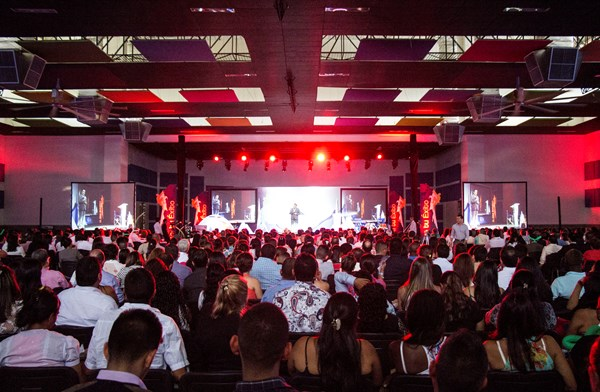 4Life Colombia Holds Success Rally
