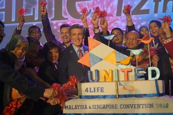 4Life President & CEO Visits Malaysia