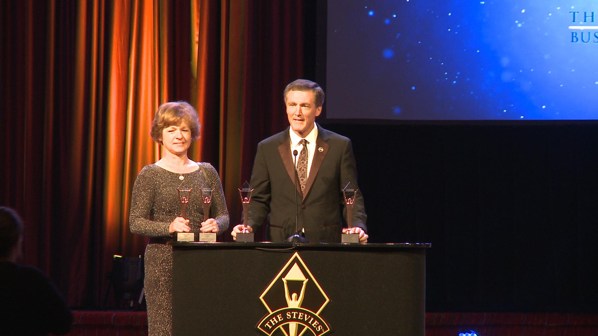 4Life gana cuatro Premios Stevie<sup>®</sup> de los American Business Awards<sup>SM</sup>