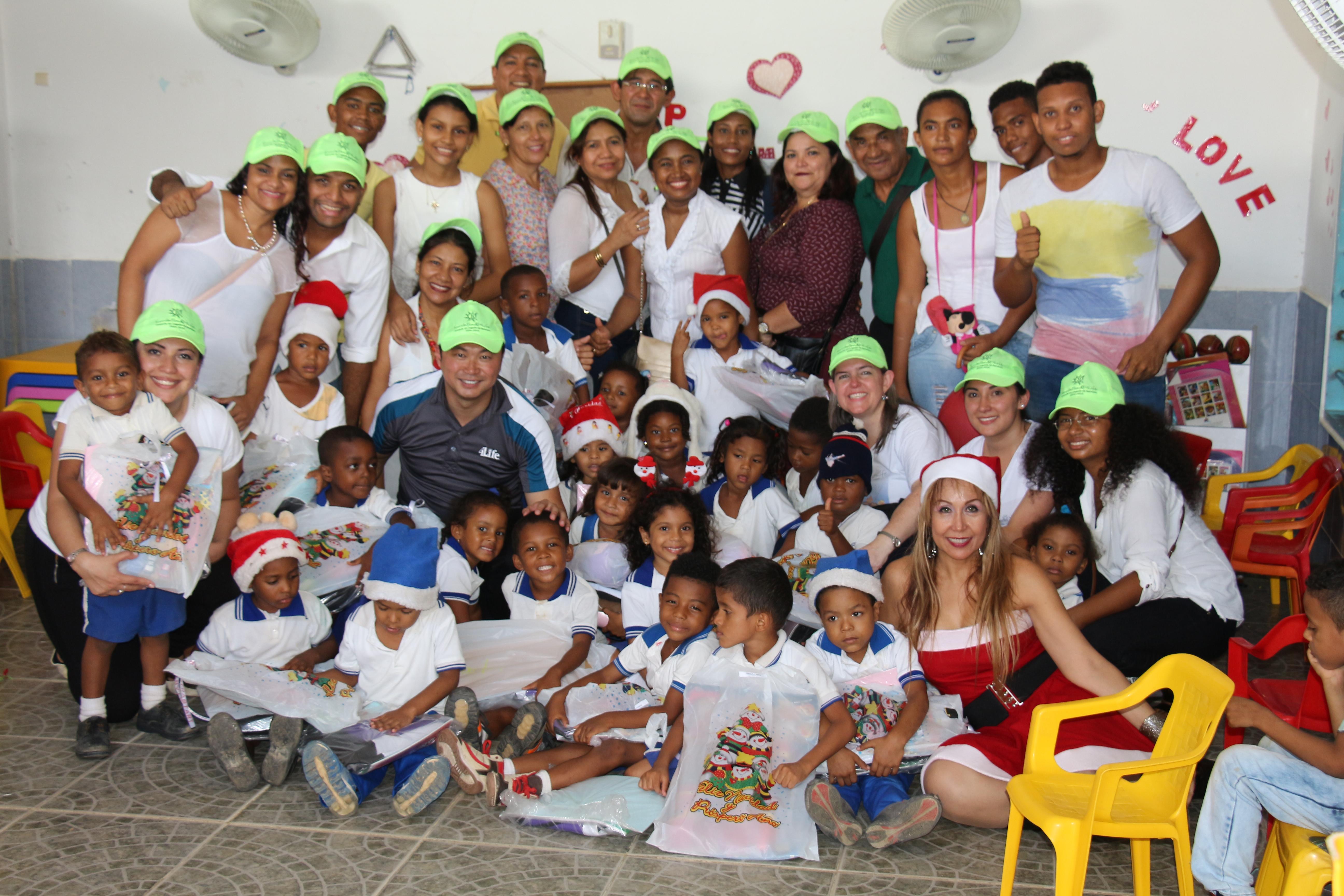 4Lifeコロンビアが奉仕イベントを主催