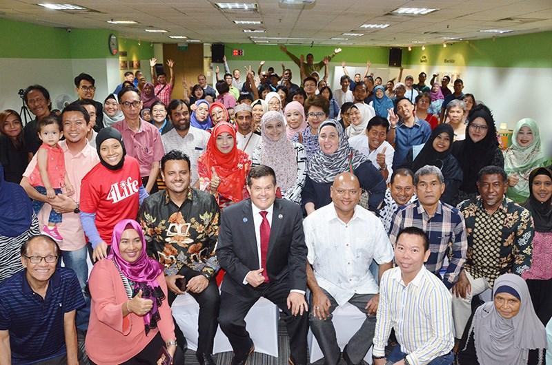 Выступление научного сотрудника 4Life о Трансфер Факторе в Сингапуре и Малайзии