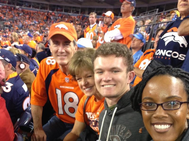 Team 4Life en el Sports Authority en Denver
