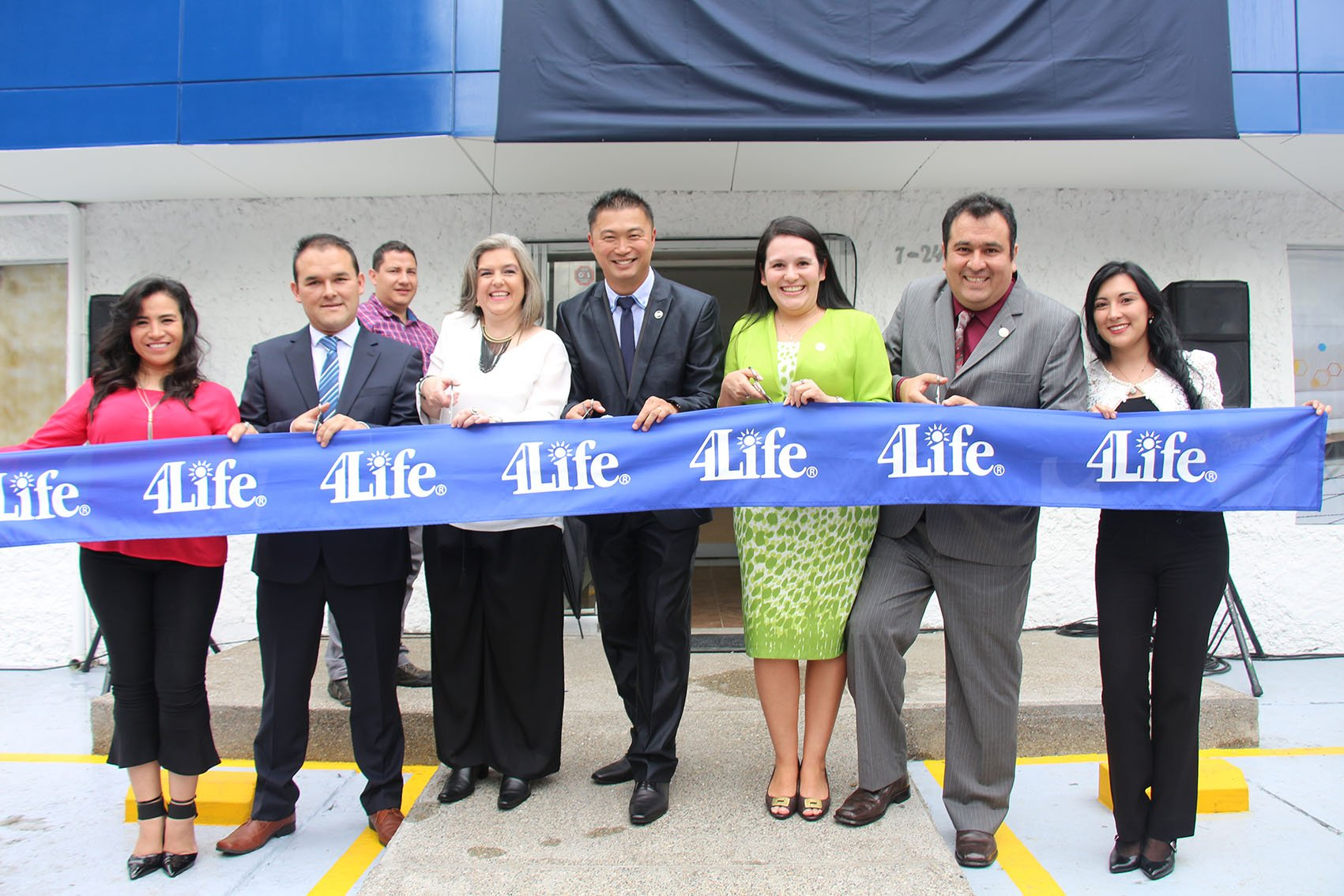 4Life Colombia Opens New Office