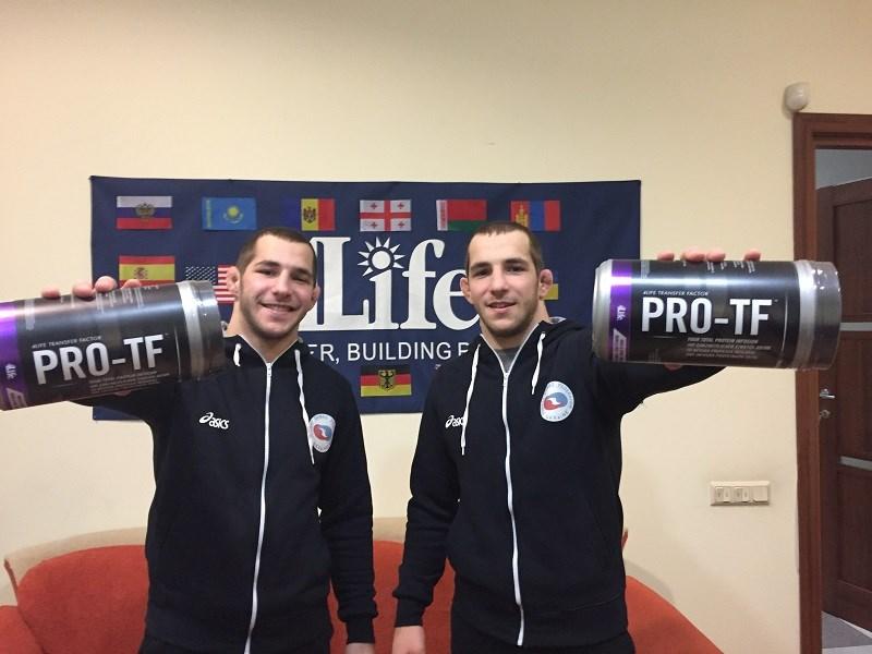 Los hermanos Parubchenko se unen a Team 4Life